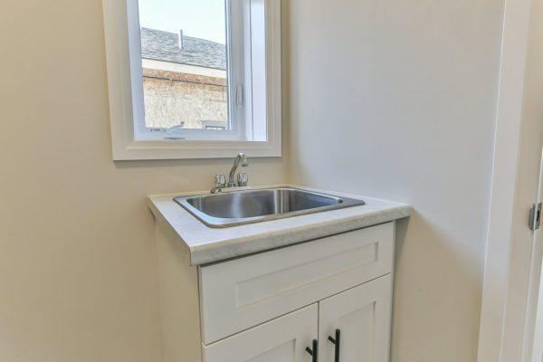 Audrey - bathroom